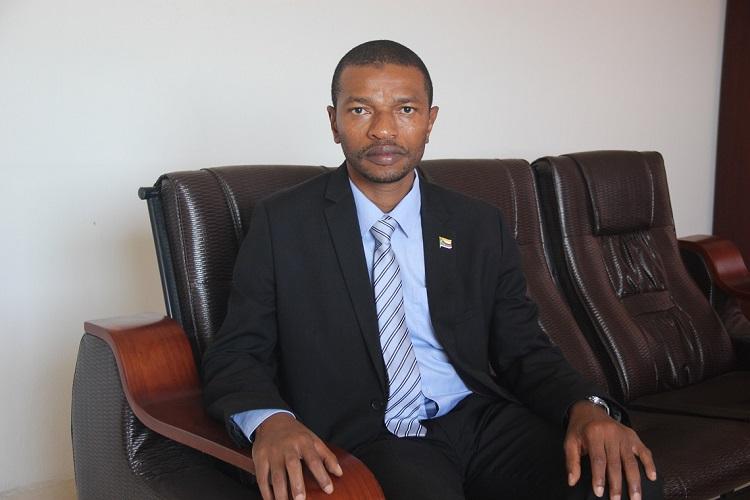 Le gouvernement menace de fermer les médias qui ne soutiennent pas Azali Assoumani